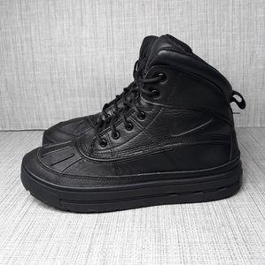 Nike ACG Woodside Triple Black Boots Sz 65Y